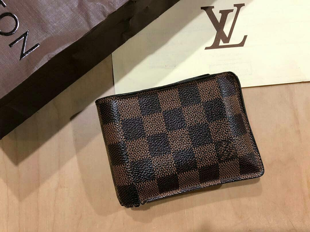 AUTHENTIC LOUIS VUITTON DAMIER WALLET - COMES WITH RECEIPT & PAPER BAG - USED CONDITION,  NOT FOR FUSSY BUYERS