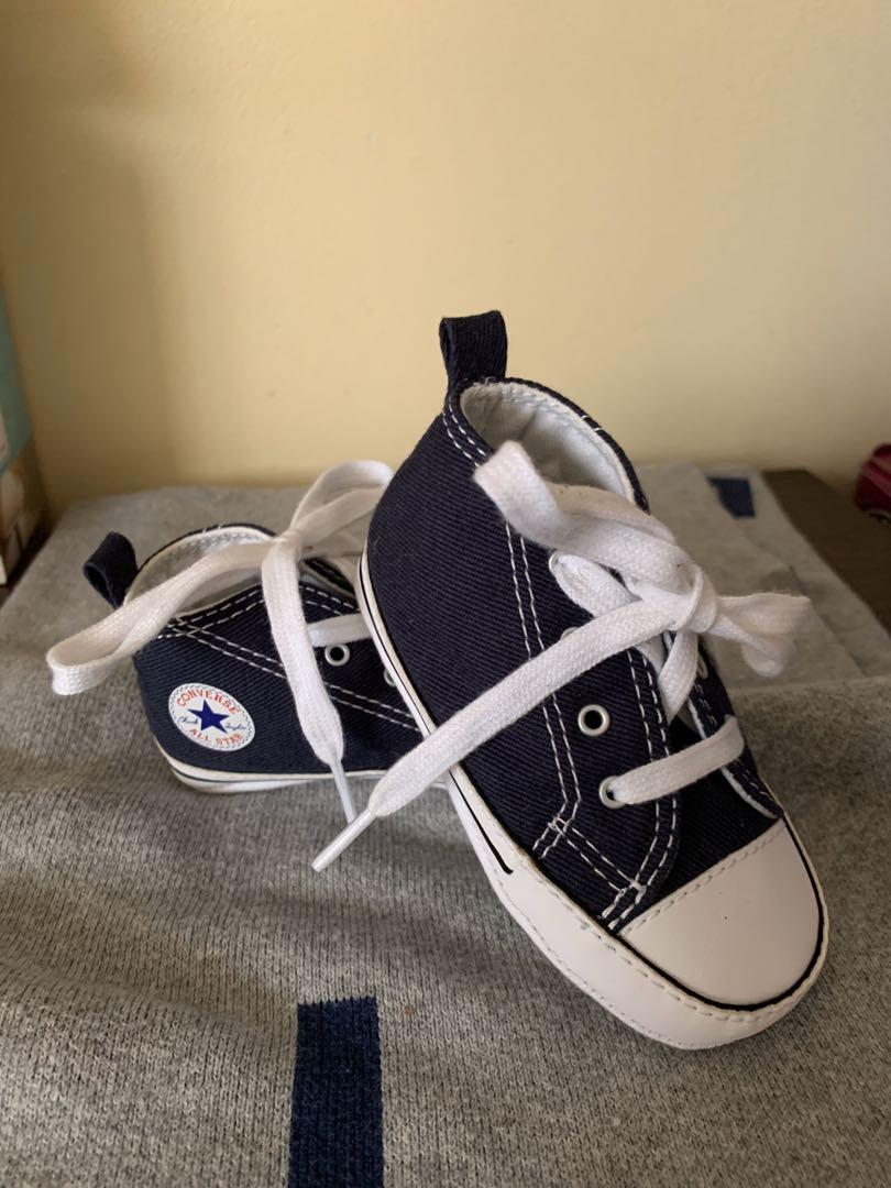 Baby converse size 9-12 months. Excellent condition