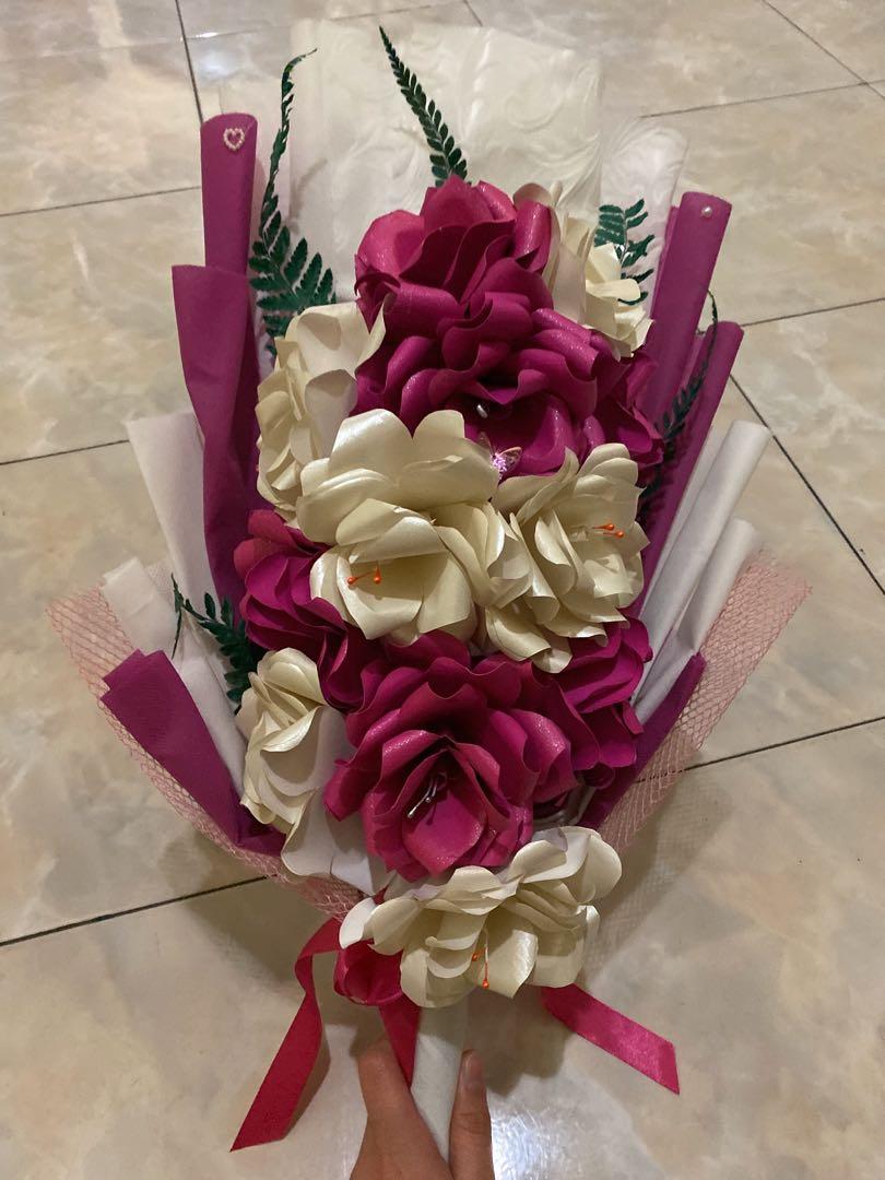 Buket Bunga Kertas 12 Tangkai Pink Desain Kerajinan Tangan Lainnya Di Carousell