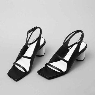 heels - triple straps square toe
