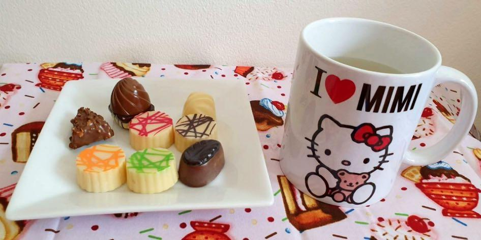 Order  ur own name with kitty mug cup ( Hand craft product)