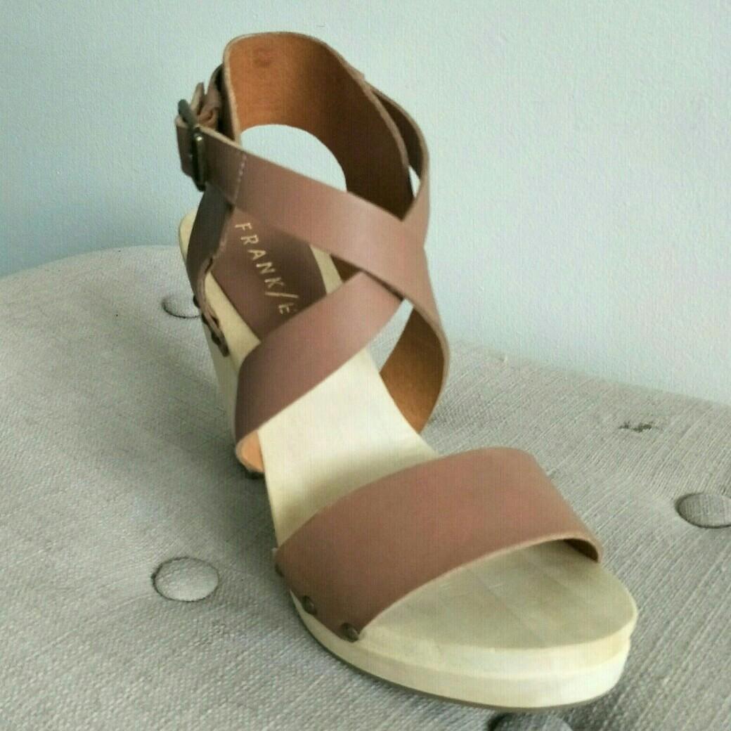 New FRANK/E 'Venus' Clog Like Platform Crossover Sandal EU 38 RRP $150
