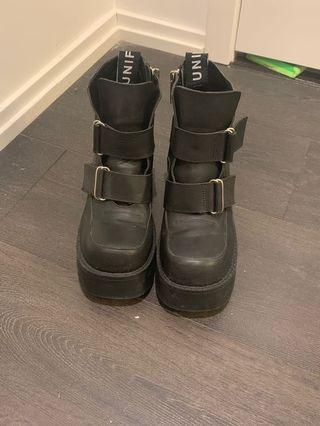 UNIF platform boots
