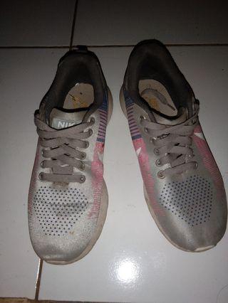 Reprice#Sepatu Nike lokal