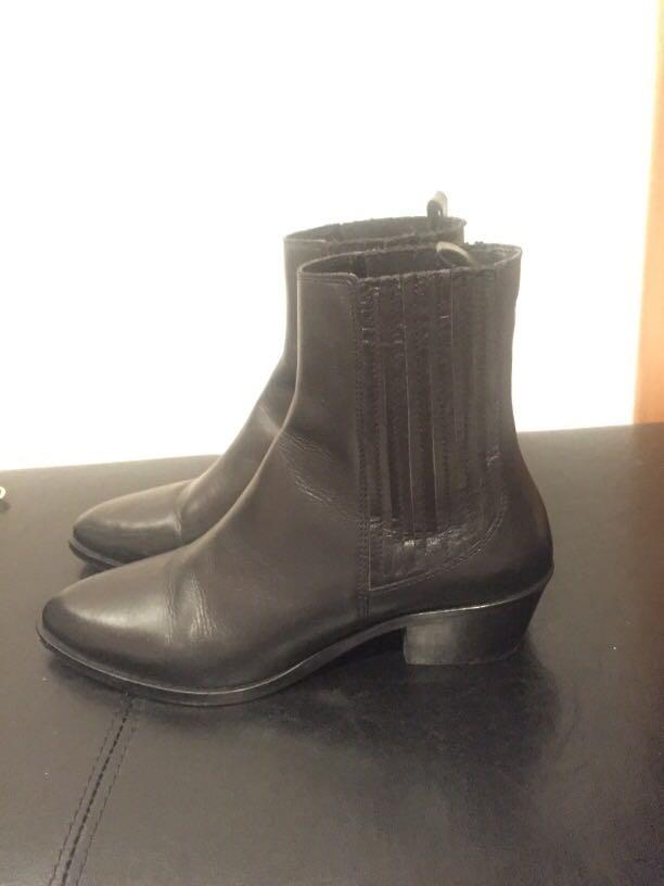 Genuine leather Ankle boots (38) NEED GONE ASAP