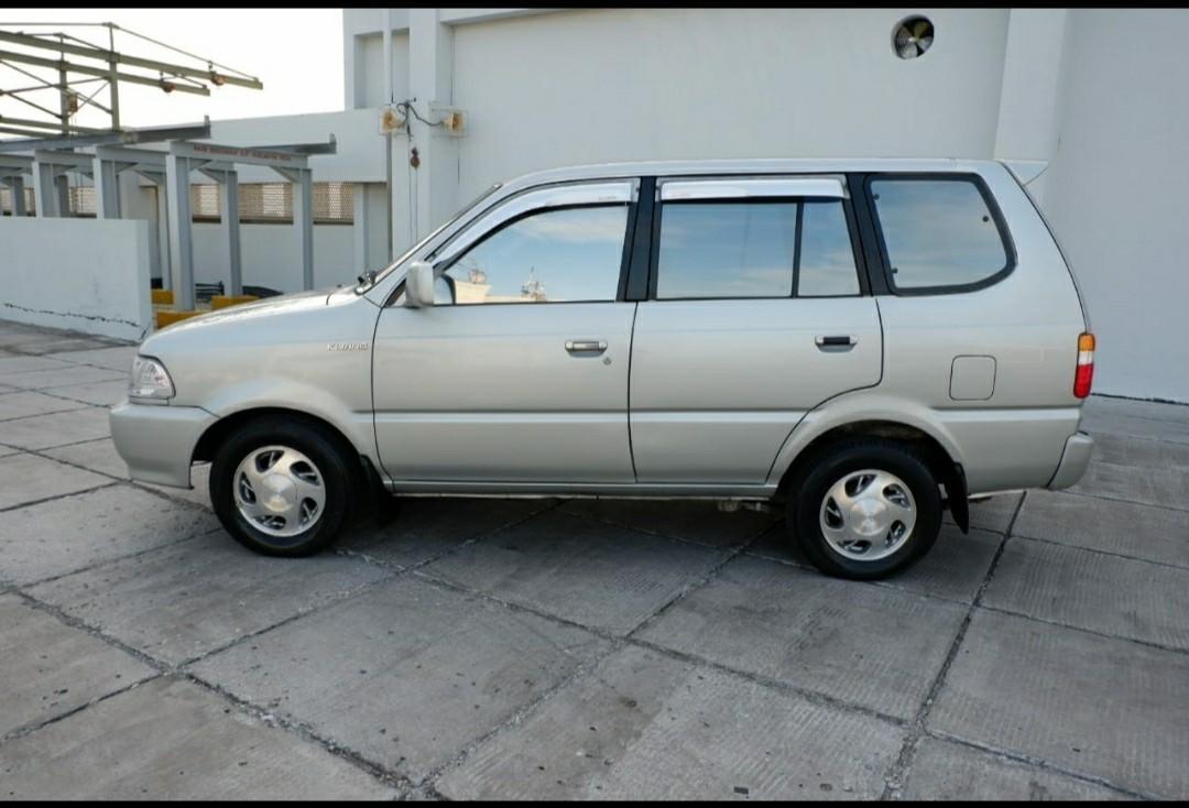 Toyota kijang 1,8 2002 bensin manual MT mulus plastikan