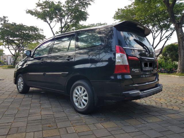 Toyota Kijang Innova 2.0 E AT Bensin 2015,Senantiasa Dicintai Keluarga