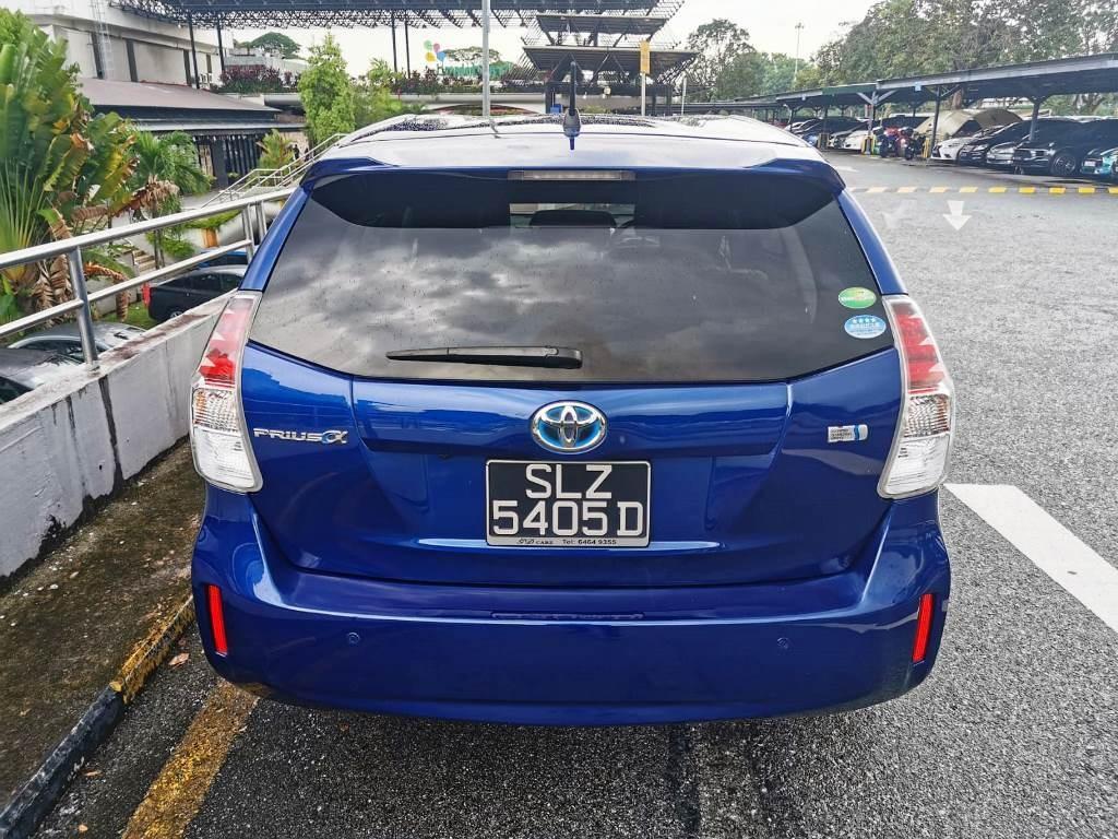Toyota Prius 1.8 Alpha 7-Seater Auto