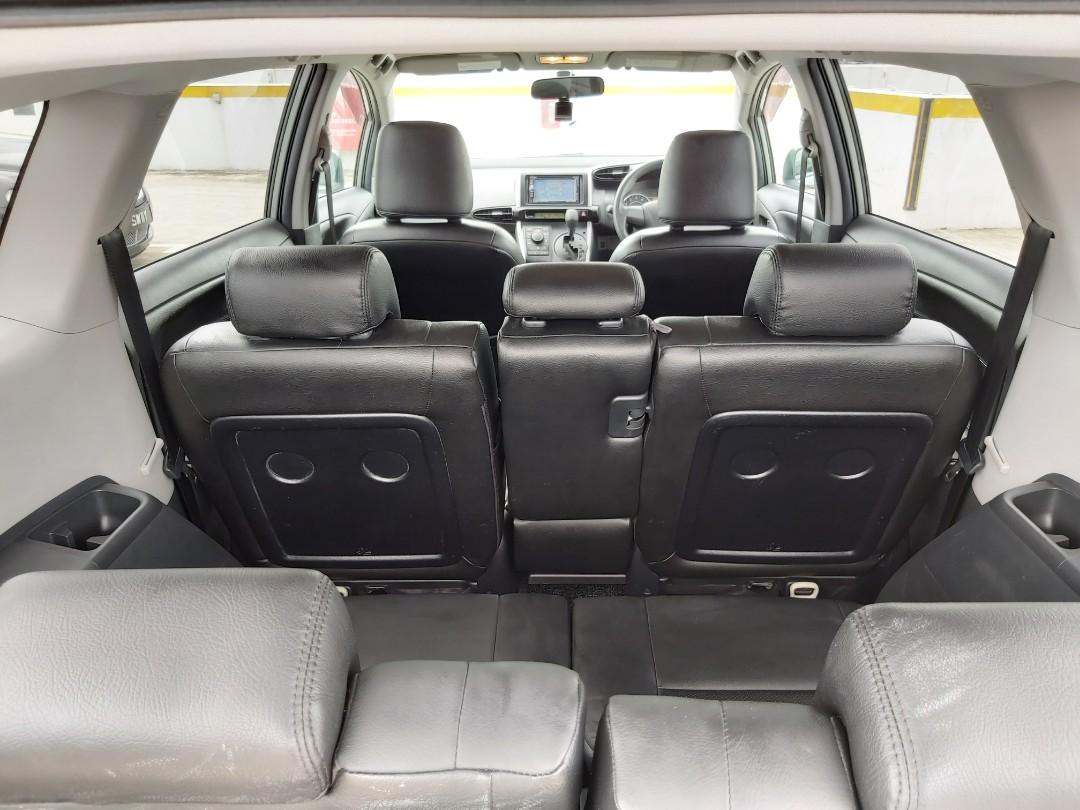 Toyota Wish 1.8A 7 seater MPV for rent/lease