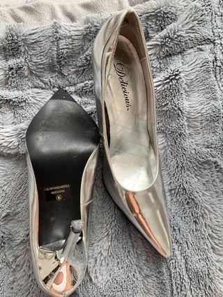 Metallic Silver Shoes - size 6