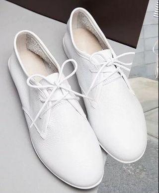 全新牛皮小白鞋