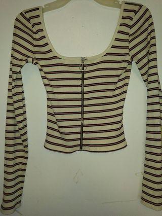 🔲Hollister striped zip top