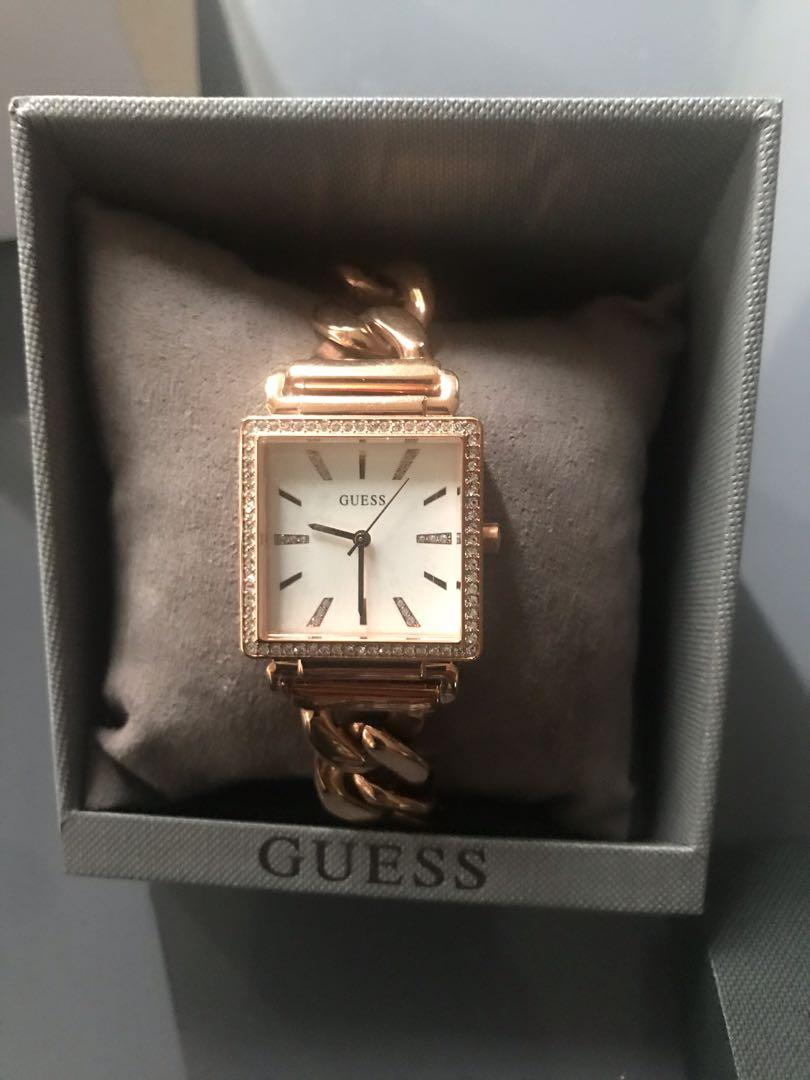 Brand new women's Guess rode gold link watch RRP $449