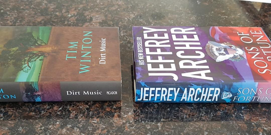 COLLECTABLE JEFFREY ARCHER  & TIM WINTON BESTSELLERS
