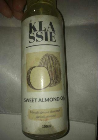 Face oil sweet almond