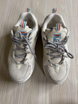 89成新  24號 偏小 23.5 韓國帶回 Fila 麂皮拼接 老爹鞋
