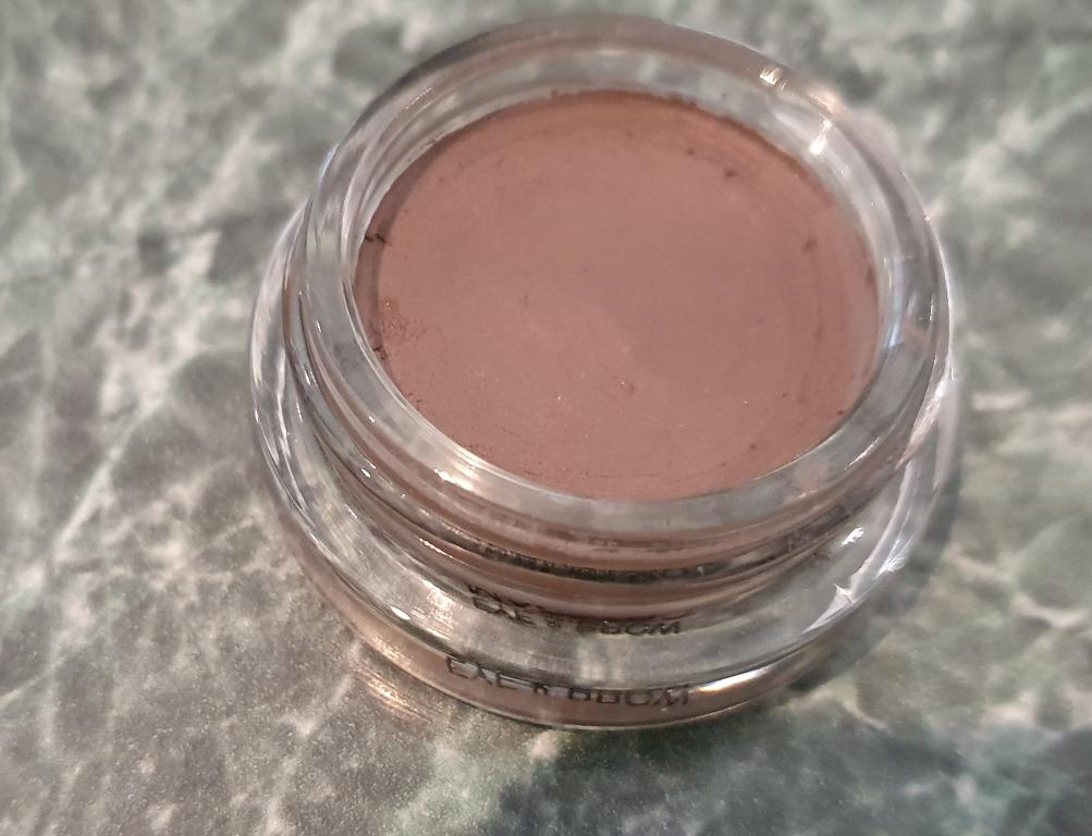 • USED ONCE Giorgio Armani Eye & Brow Maestro Shade 2 (Multipurpose Eyeshadow, Brows, Eyeliner, Contour, Root Touch Up)