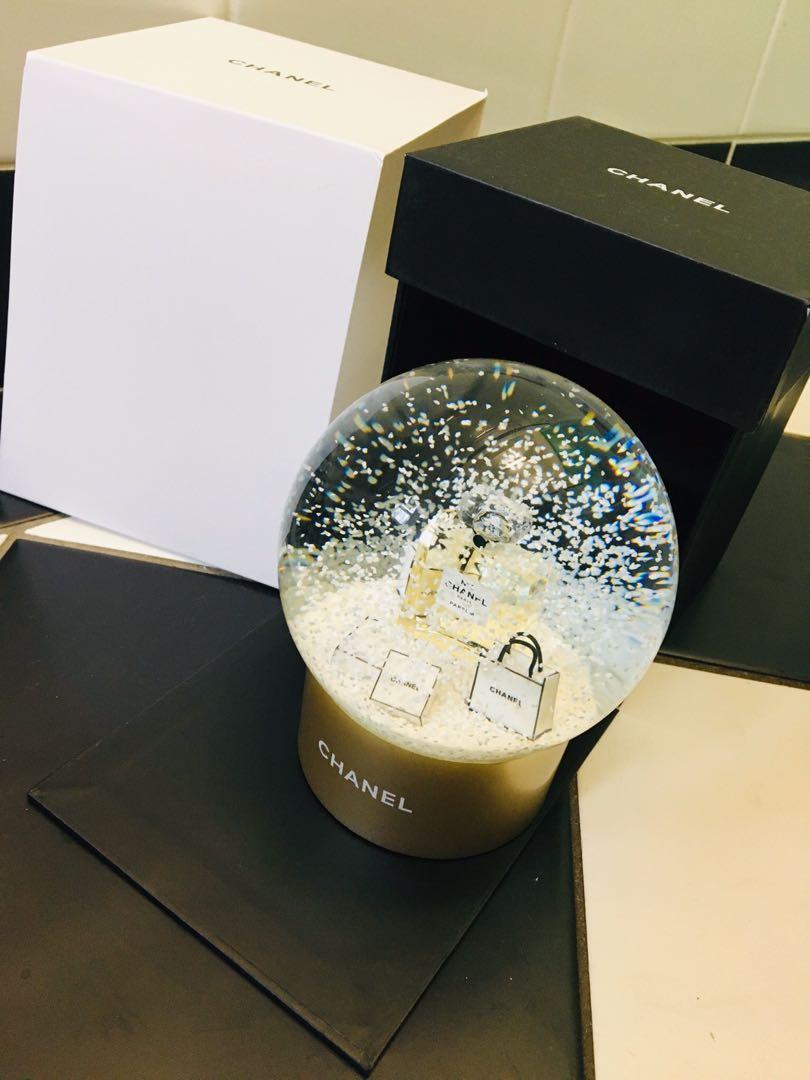 Chanel VIP no5 Gold glass snow globe Christmas gift
