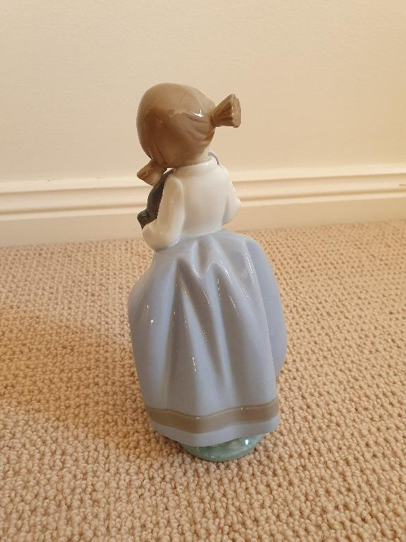 COLLECTORS ITEM: NAO Lladro Girl and Dog Porcelain Figurine