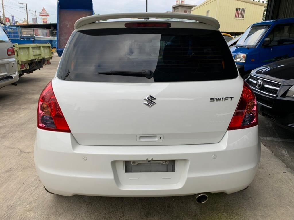 Suzuki 鈴木 SWIFT< 里程只跑9萬 > 2009年 1.5 白 免KEY / 雙安 / ABS / 安卓機 / 皮椅 / 重低音