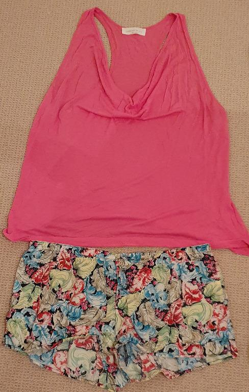 Sz M Preloved Peter Alexander Summer Top and Shorts Pink Summer Feather Print
