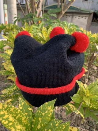紅三球毛線造型帽