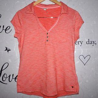 (L) Guess ladies collared tops, super  nice and almost looks new