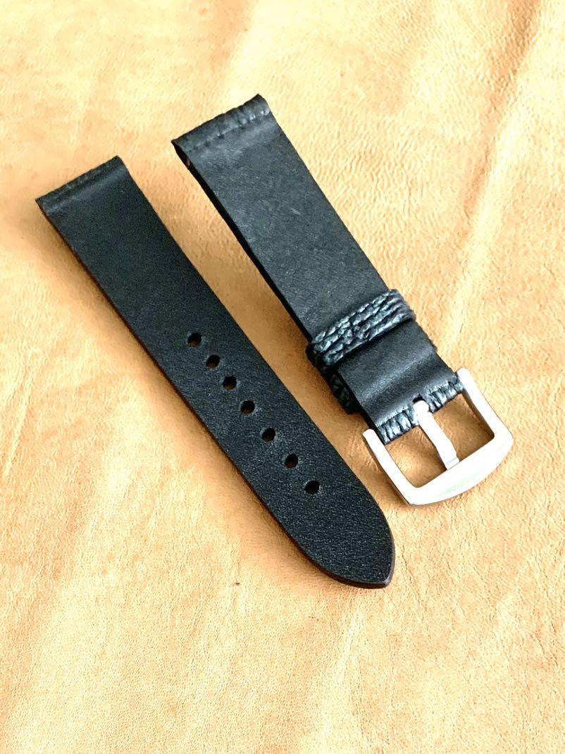 22mm/20mm Black and Forest Green Shark Leather Watch Strap 22mm@lug/20mm@buckle 22mm/20mm - second and final piece in this colour and width 👍🏻:)    Standard length:L-120mm,S-75mm