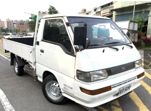 Mitsubishi 得利卡 /Delica  2002款  手排 2.0L