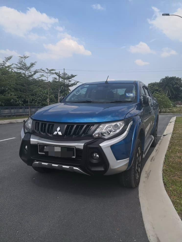Mitsubishi Triton 2.4 (A) 4x4 Pickup Truck Kereta Sewa Selangor KL