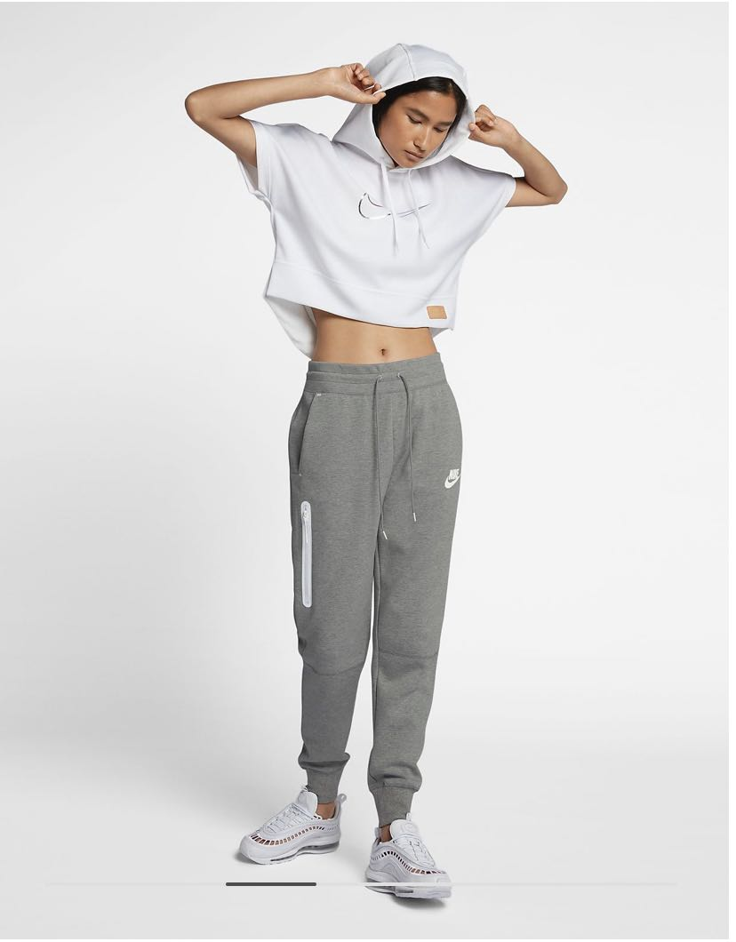 Nike Women S Sportswear Tech Fleece Trousers Sweat Pants Joggers Grey Heather Sports Sports Apparel On Carousell