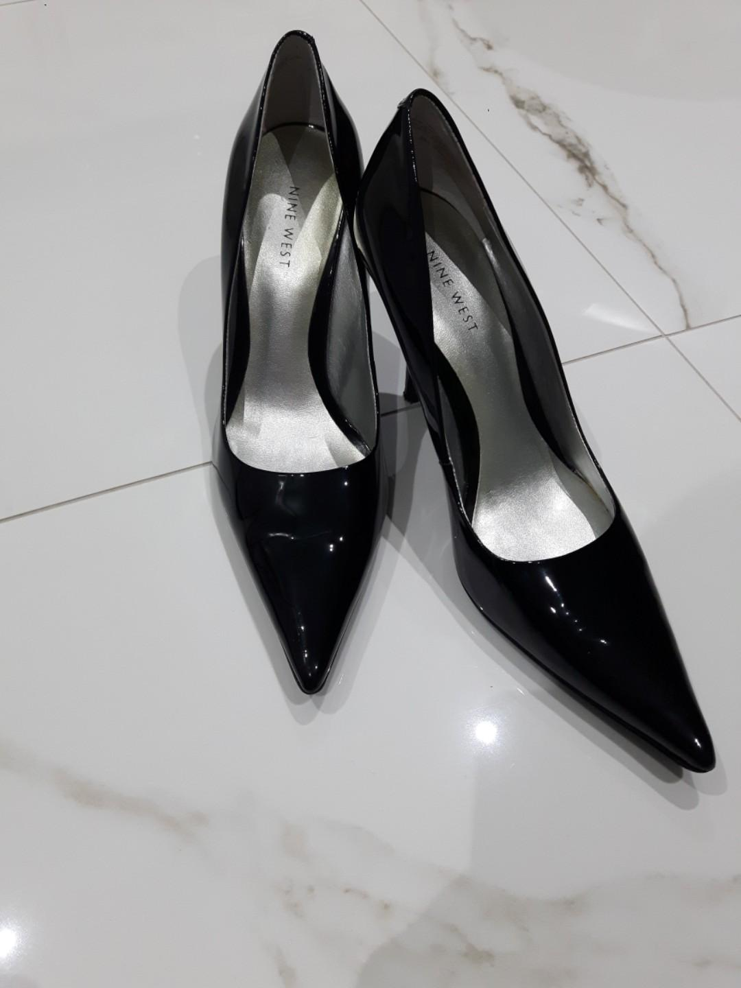 LEATHER-NINE WEST GLOSSY STILETTOS SIZE 9-long pointed
