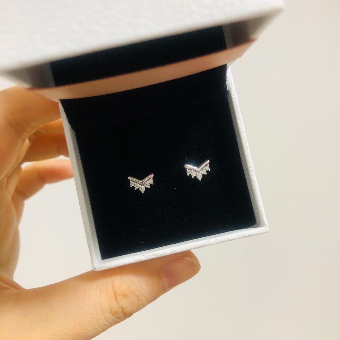 Pandora Tiara Wishbone Stud Earrings | with receipt