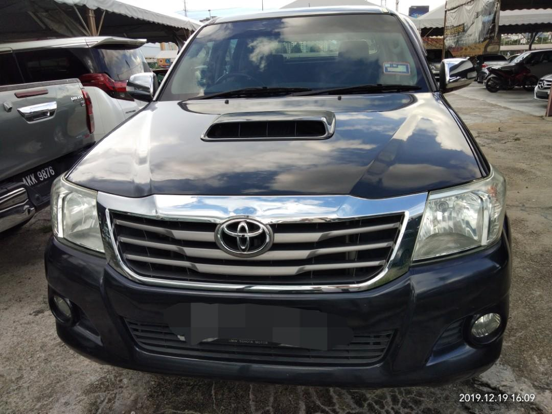 TOYOTA HILUX 2.5 AT YEAR~2015~Diesel on the road Price RM58,888.88