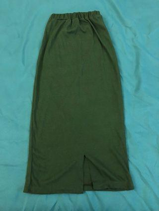 綠色開衩中長裙