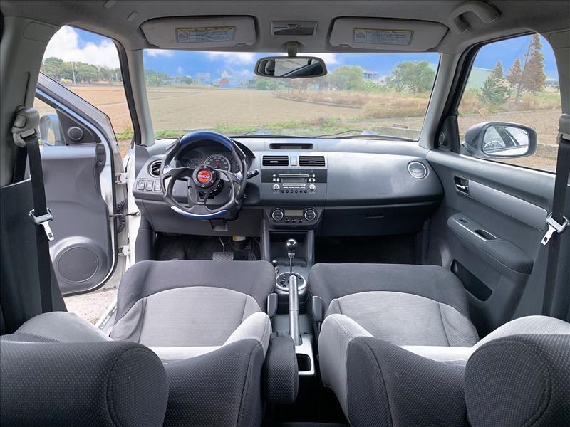 2007年 SUZUKI SWIFT 白 1.5 全額貸超額貸買車現拿周轉金
