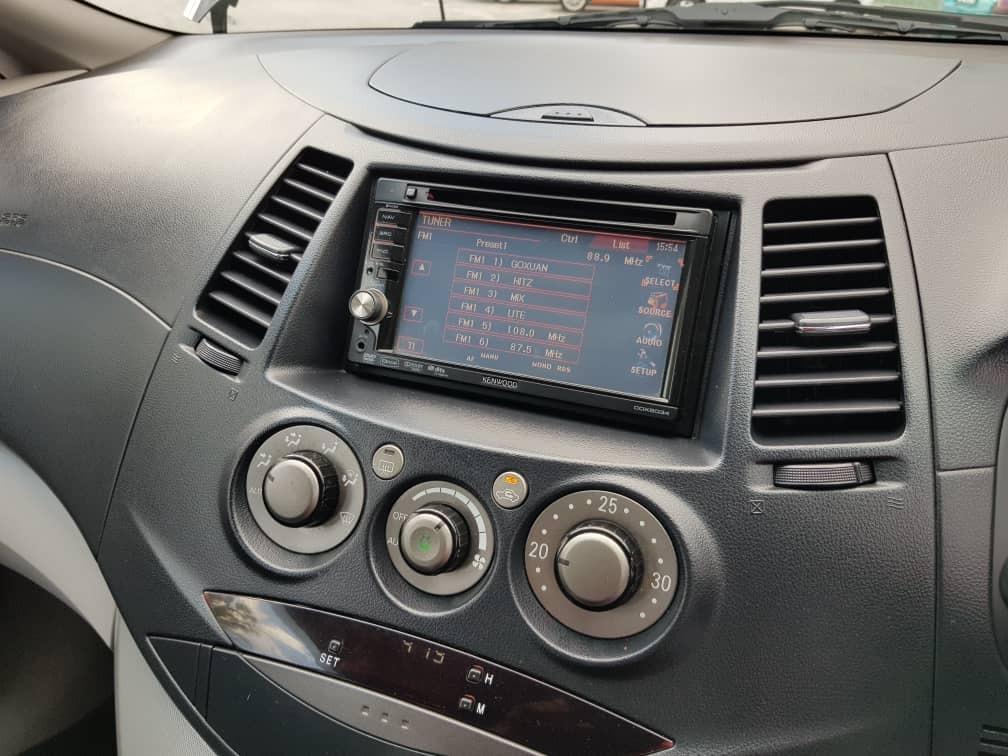 2010 Mitsubishi GRANDIS 2.4 (A) Muka 2K Loan Kedai