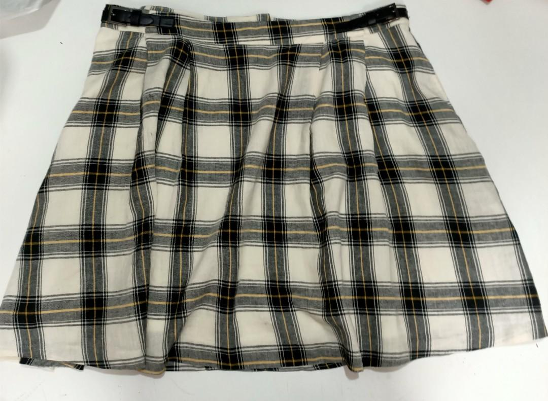 Dangerfield plaid cute summer set. Worn once (for the photos). MESSAGE BEFORE PURCHSE