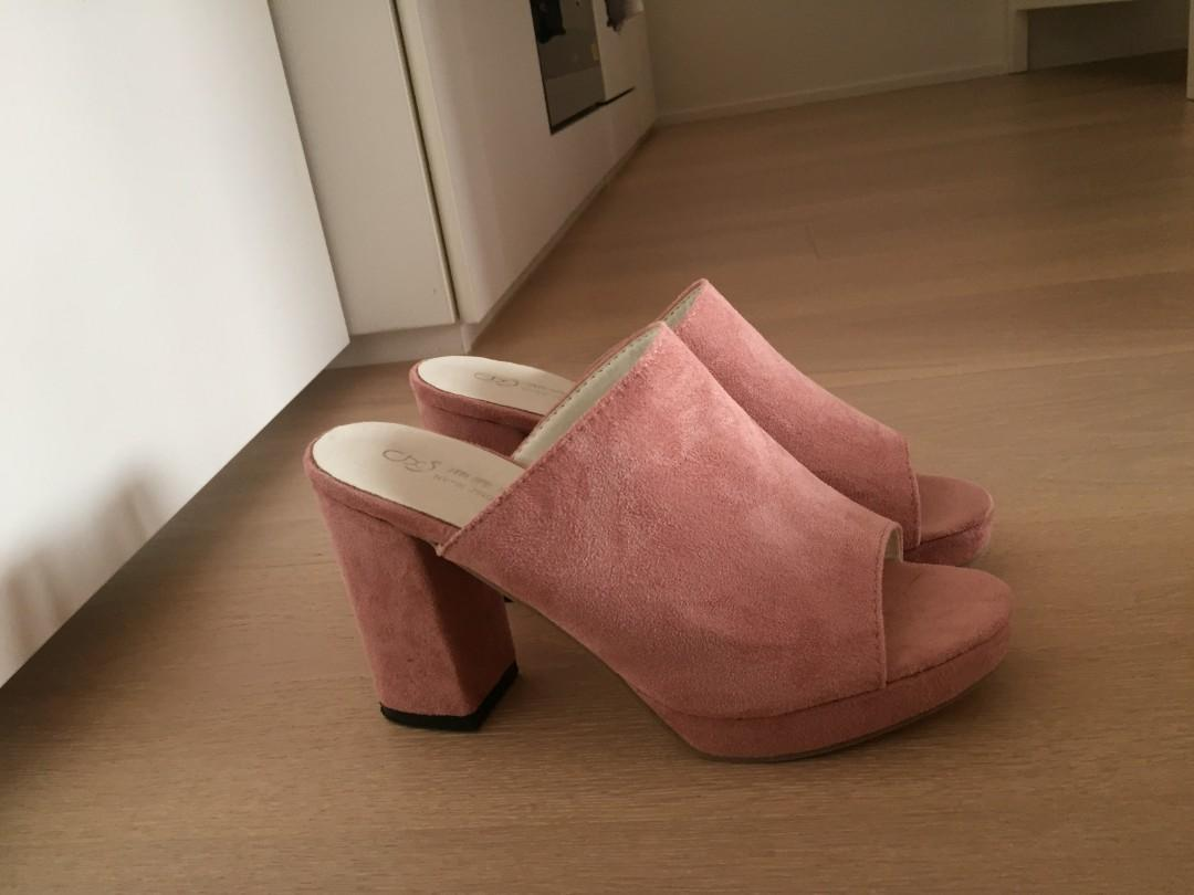 Pink peep toe platform heels size 39 (excellent condition)