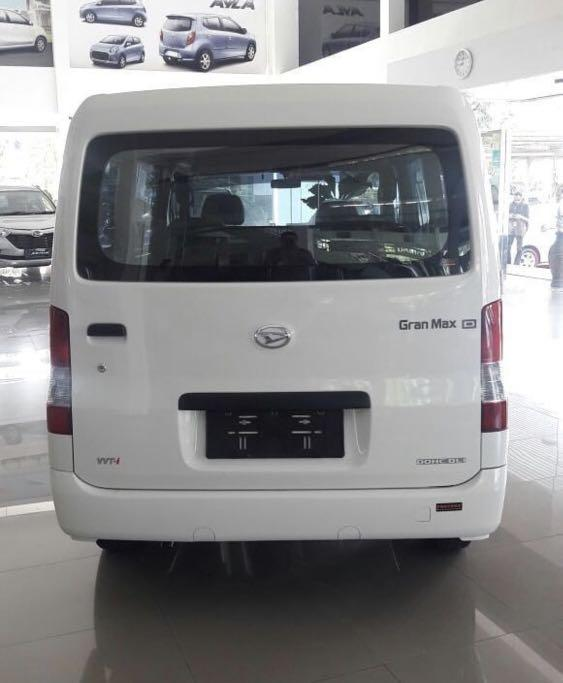 PROMO AKHIR TAHUN Daihatsu Granmax Minibus DP mulai 13 jutaan