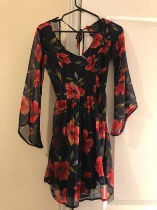 FLORAL DRESS SMALL WORN ONCE