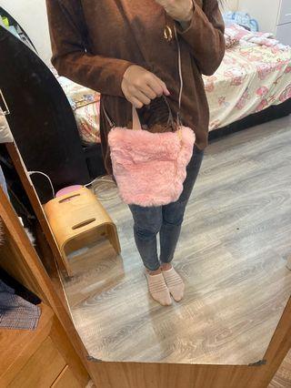 毛毛水桶包