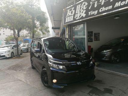 TOYOTA VOXY Hybrid 2015
