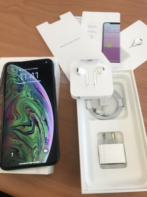Apple iPhone XS Max - 256 GB - Space Grey PERFECT CONDITION