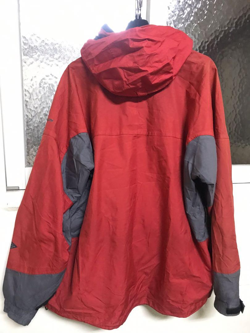 Columbia 防風防水 機能外套 Omni-tech ,單件,M,肩連袖80、長72公分,胸65