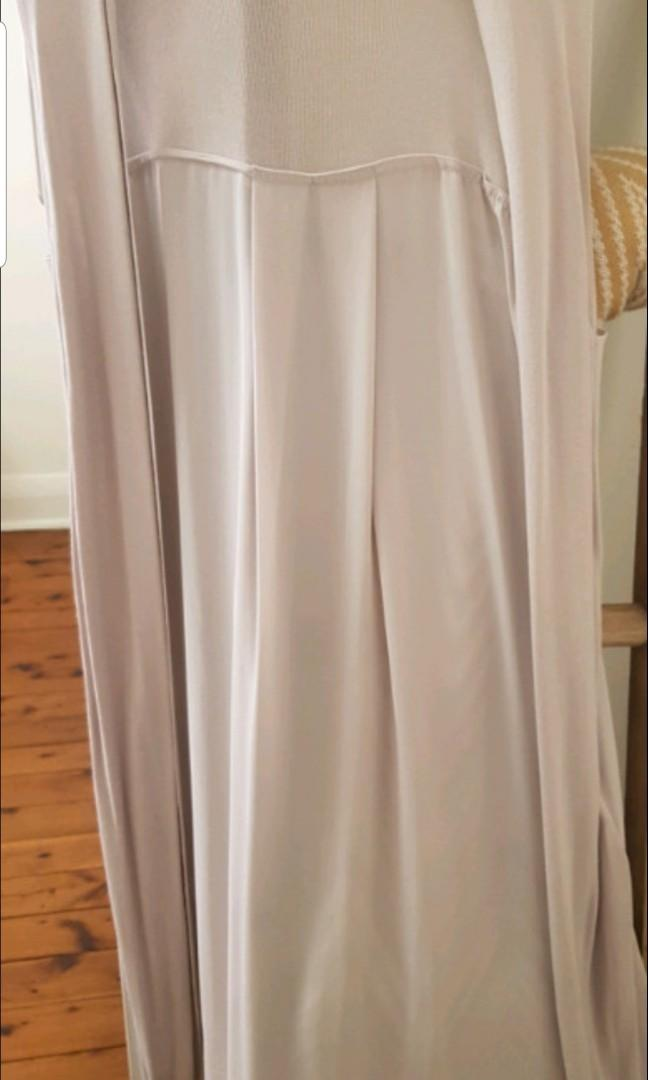 Long vest cardigan witchery size small from silk and knitwear