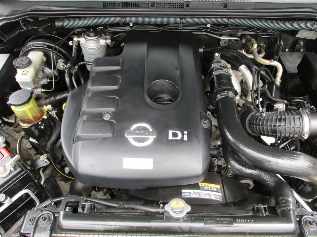Nissan Navara 2.5 (A) original paint with Canopy Price OTR