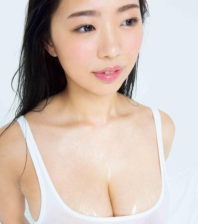 WET NUDE POSE BOOK 2018年8月