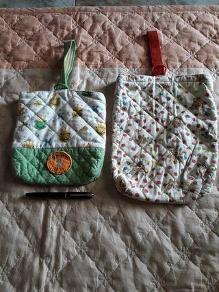 Hanging pouch