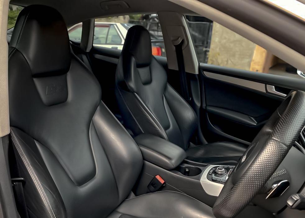 AUDI S5 3.0 V6 SUPERCHARGED SEWABELI BERDEPOSIT TAHUN : 2010/2015